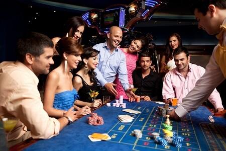 gente usando trucos para ganar en la ruleta